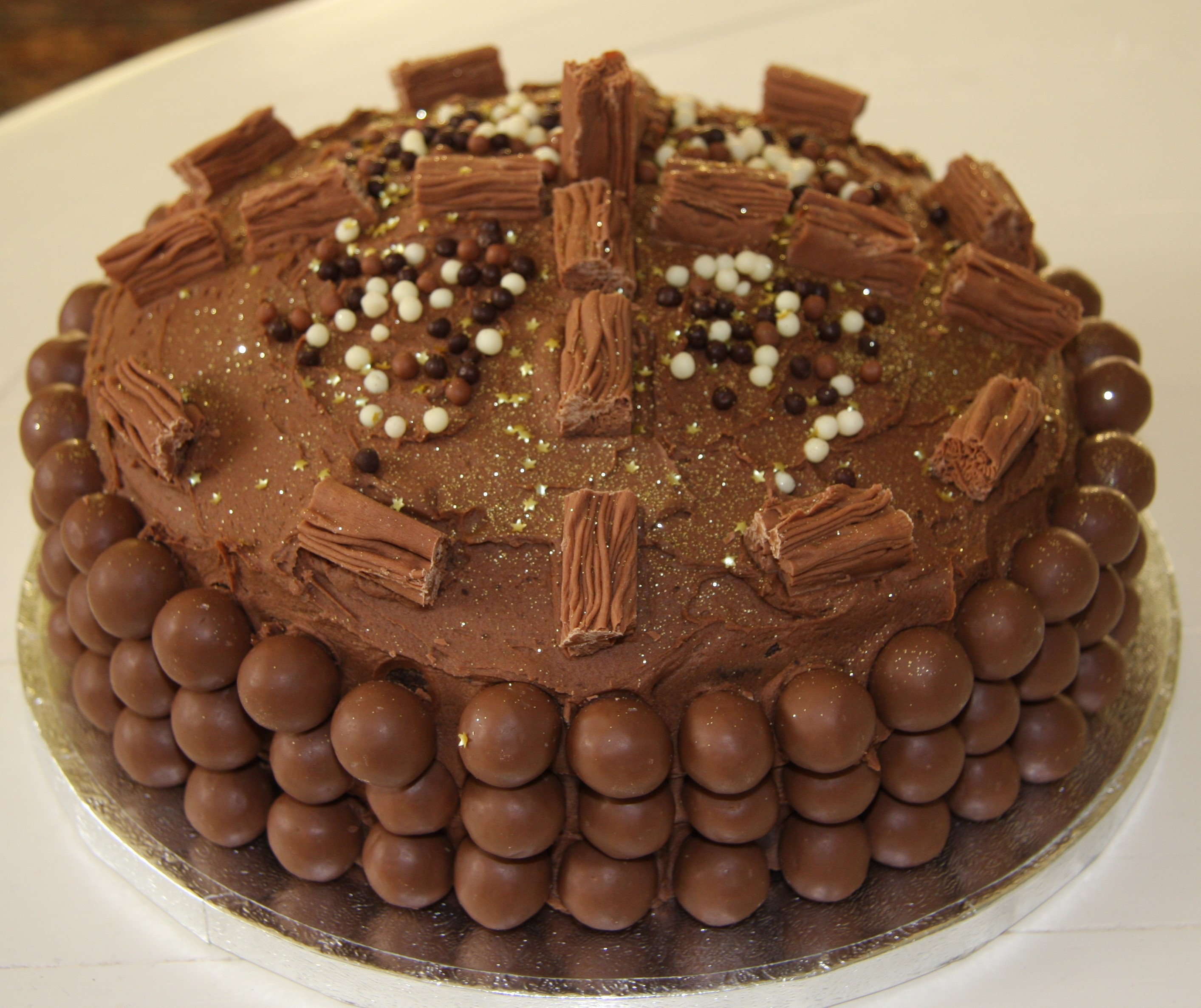 Best Chocolate Birthday Cake Chocolate Birthday Cakes Top Tips For Decorating With Maltesers