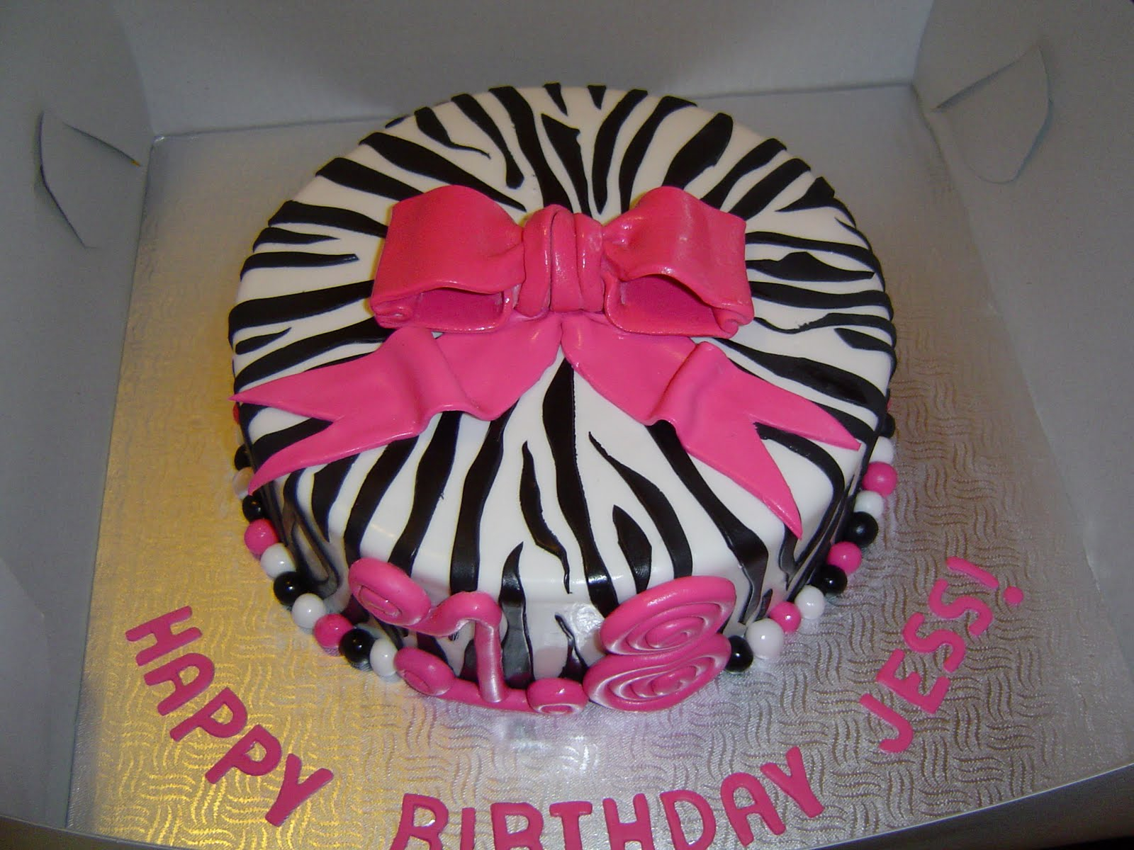 Birthday Cake Ideas For Girls 24 Awesome Birthday Cakes For Girls From 18 To 21 Years Cakes And