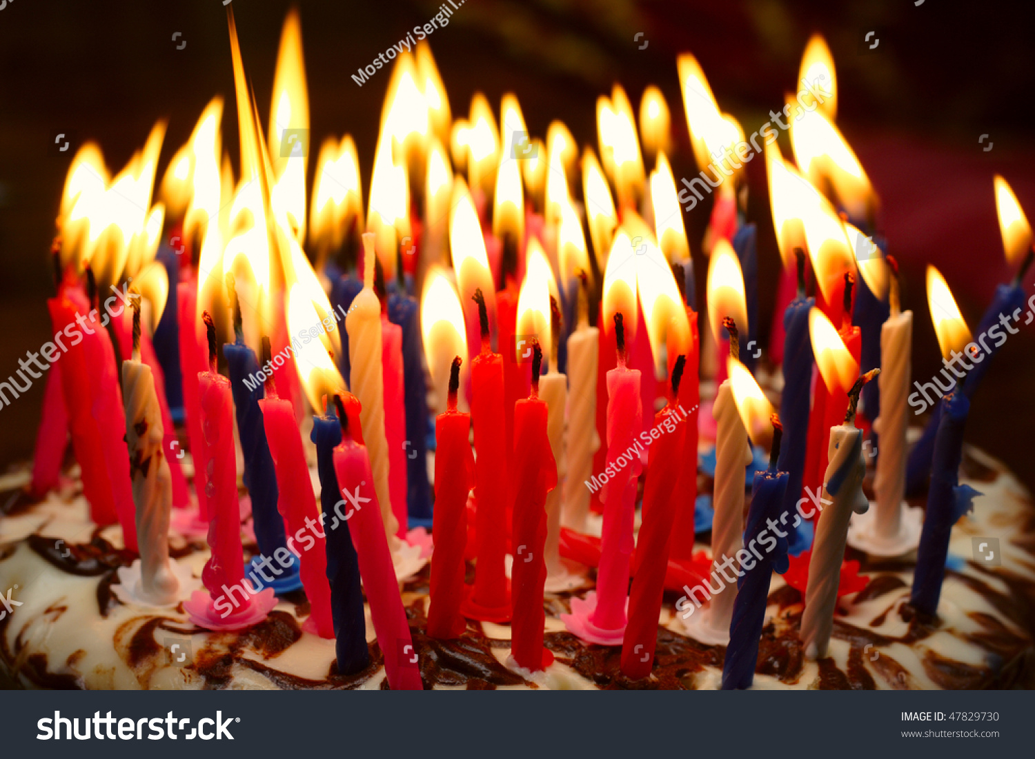 Birthday Cake With Lots Of Candles Birthday Cake Burning Candles Stockfoto Jetzt Bearbeiten 47829730
