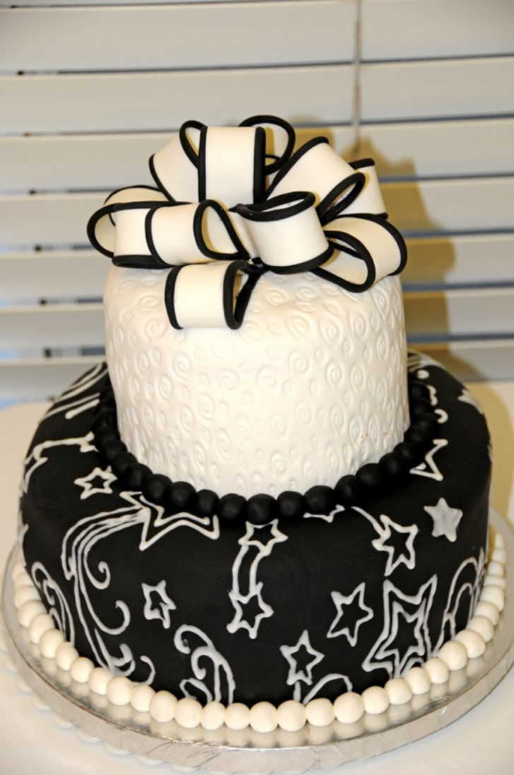 Black And White Birthday Cake 5 Black And White Sweet 16 Cakes Photo Red White And Black Sweet