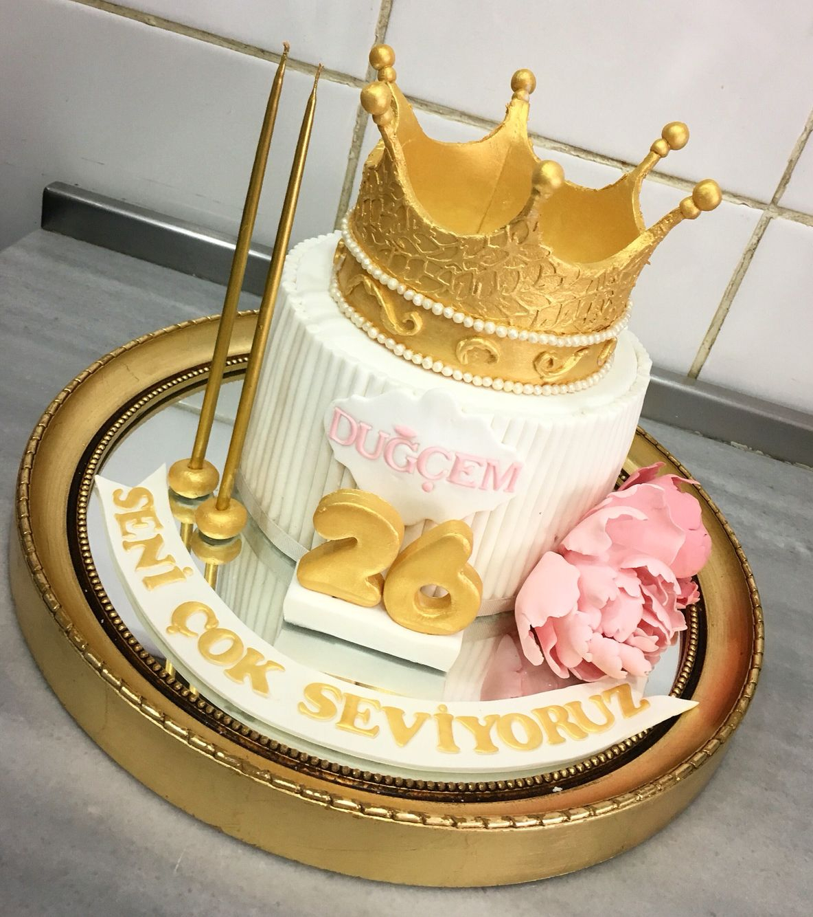 bb9dcac13 Cakes For Birthday Queen Crown Birthday Cake Cake Patisserie Food Pinterest