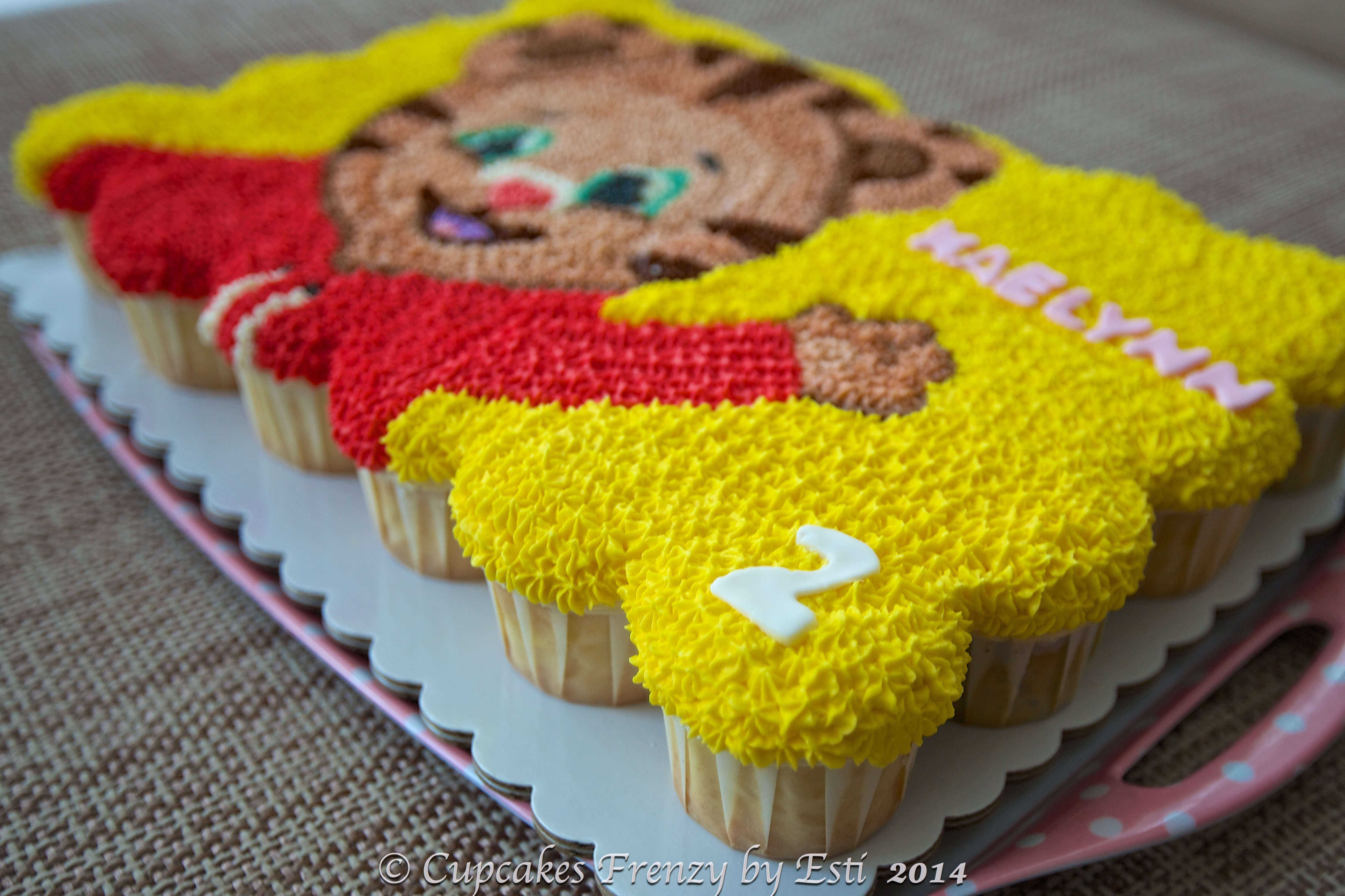 Daniel Tiger Birthday Cake Daniel The Tiger Cupcakes Frenzy