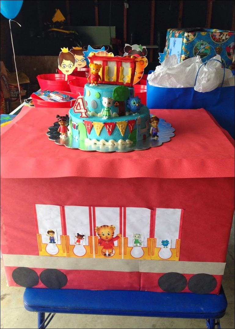 Daniel Tiger Birthday Cake Daniel Tiger Birthday Cake Diy Happy Birthday To You