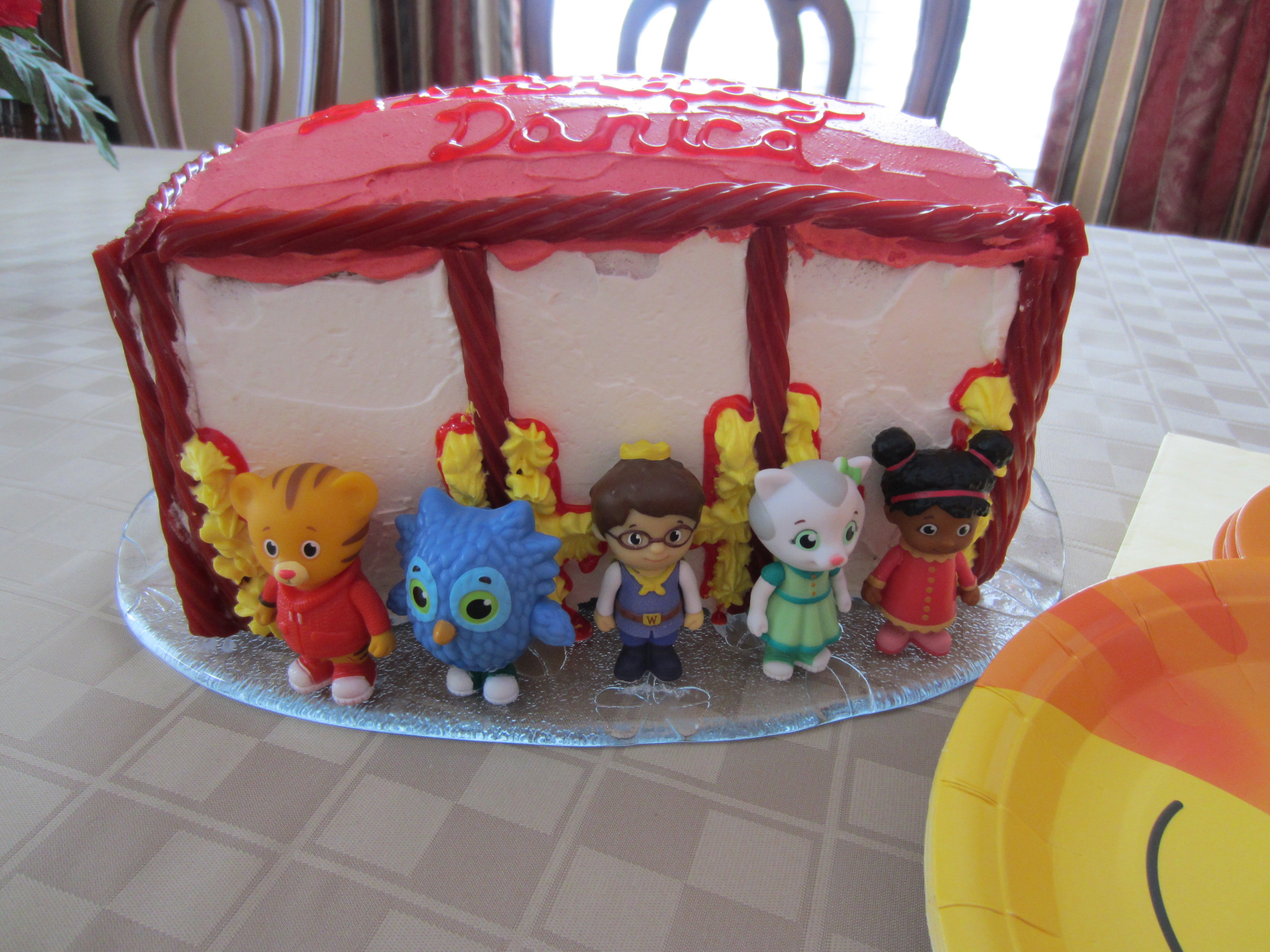 Daniel Tiger Birthday Cake Daniel Tigers Neighborhood Birthday Party Partykitchen