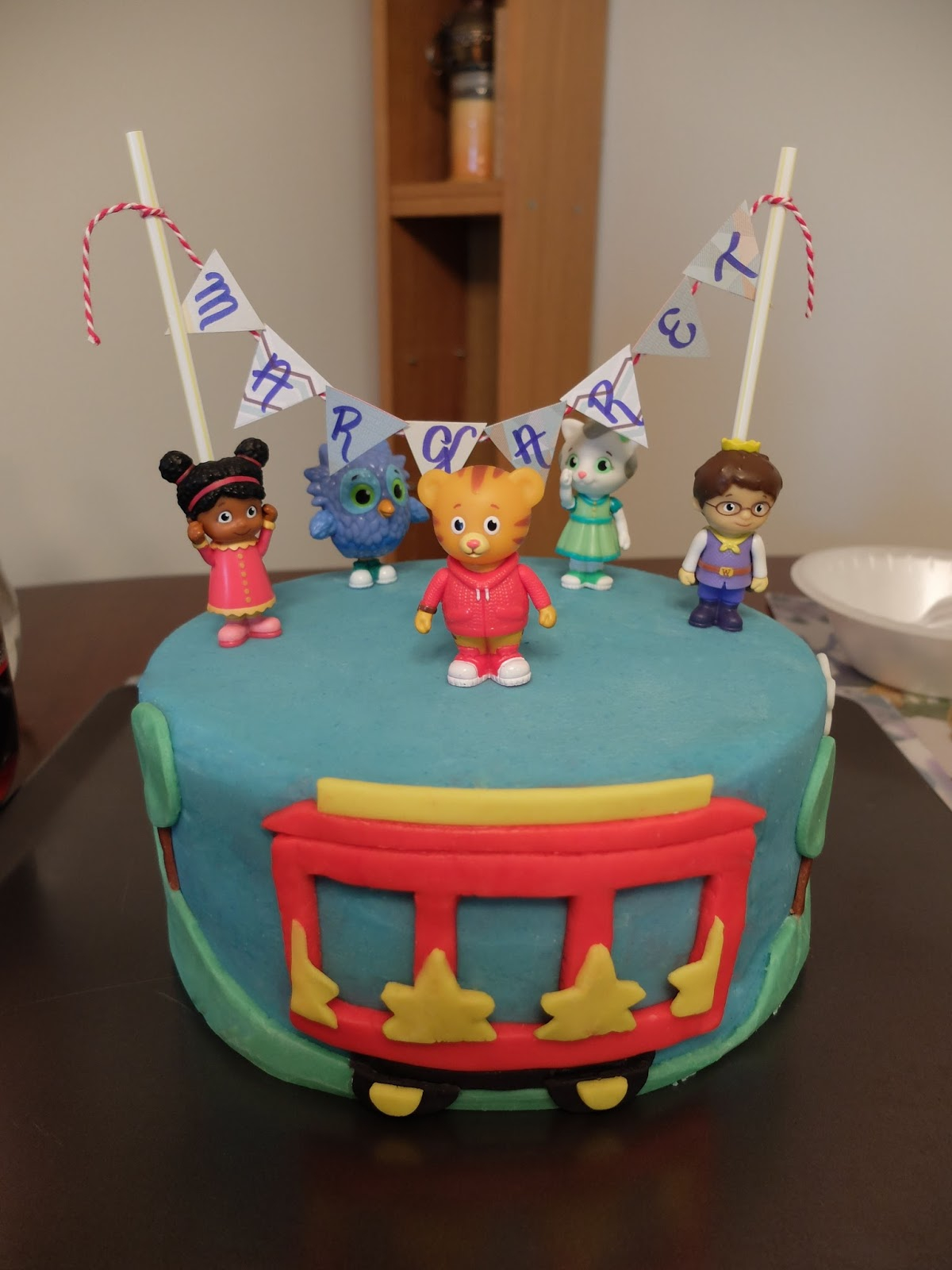 Daniel Tiger Birthday Cake Sugar Boles Daniel Tiger Birthday Cake