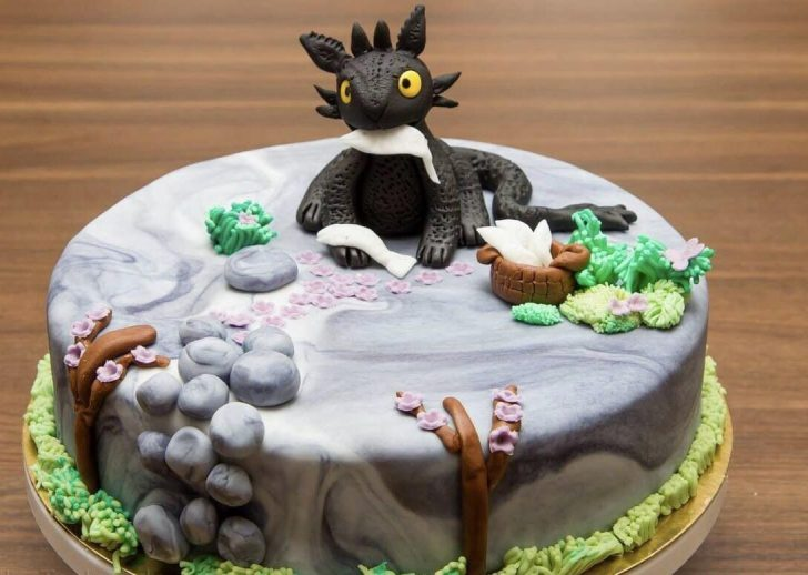 How To Train Your Dragon Birthday Cake Homemade How To Train Your Dragon Cake Food