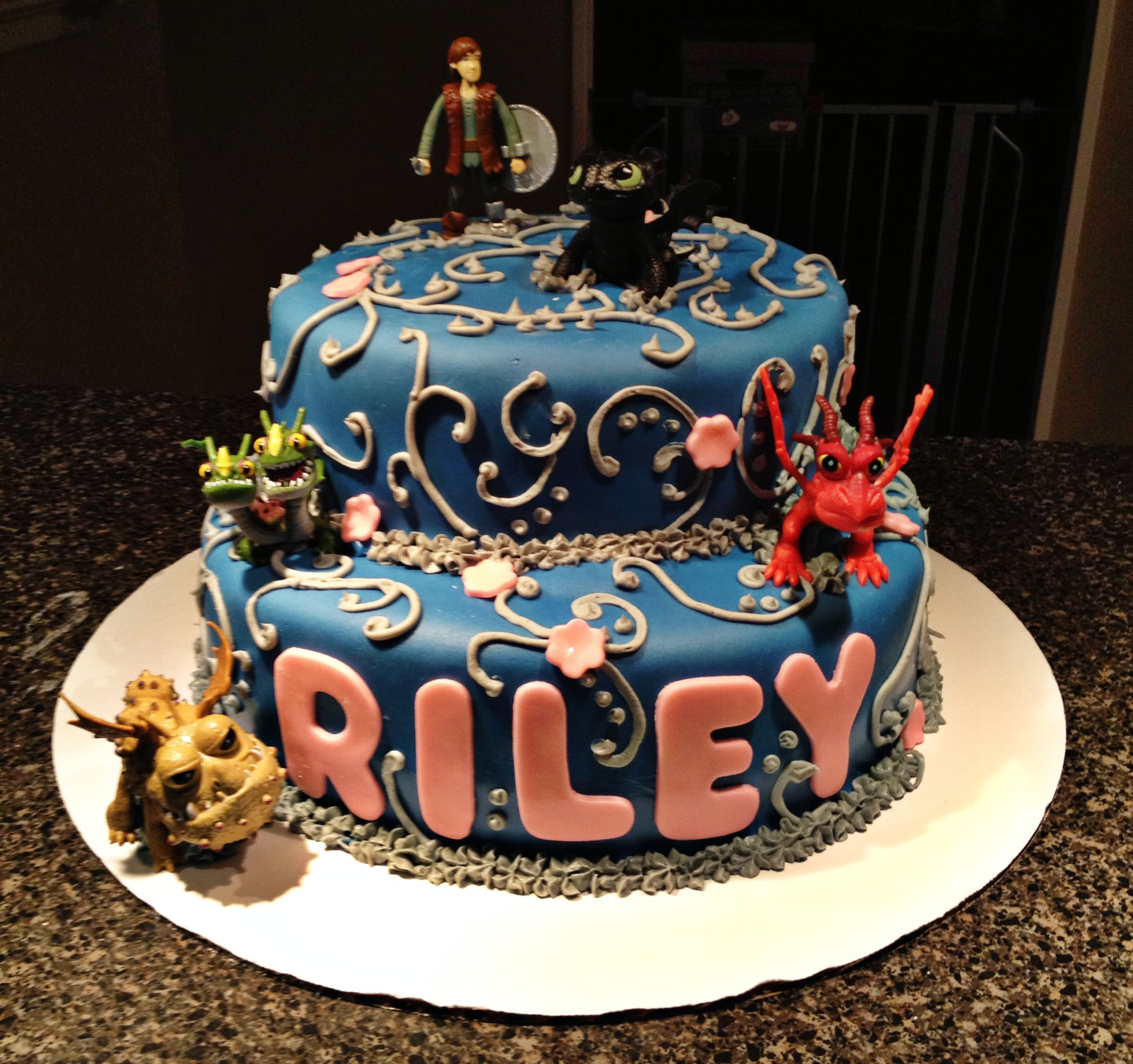 How To Train Your Dragon Birthday Cake How To Train A Dragon Birthday Cake Cakes Cupcakes All Thats