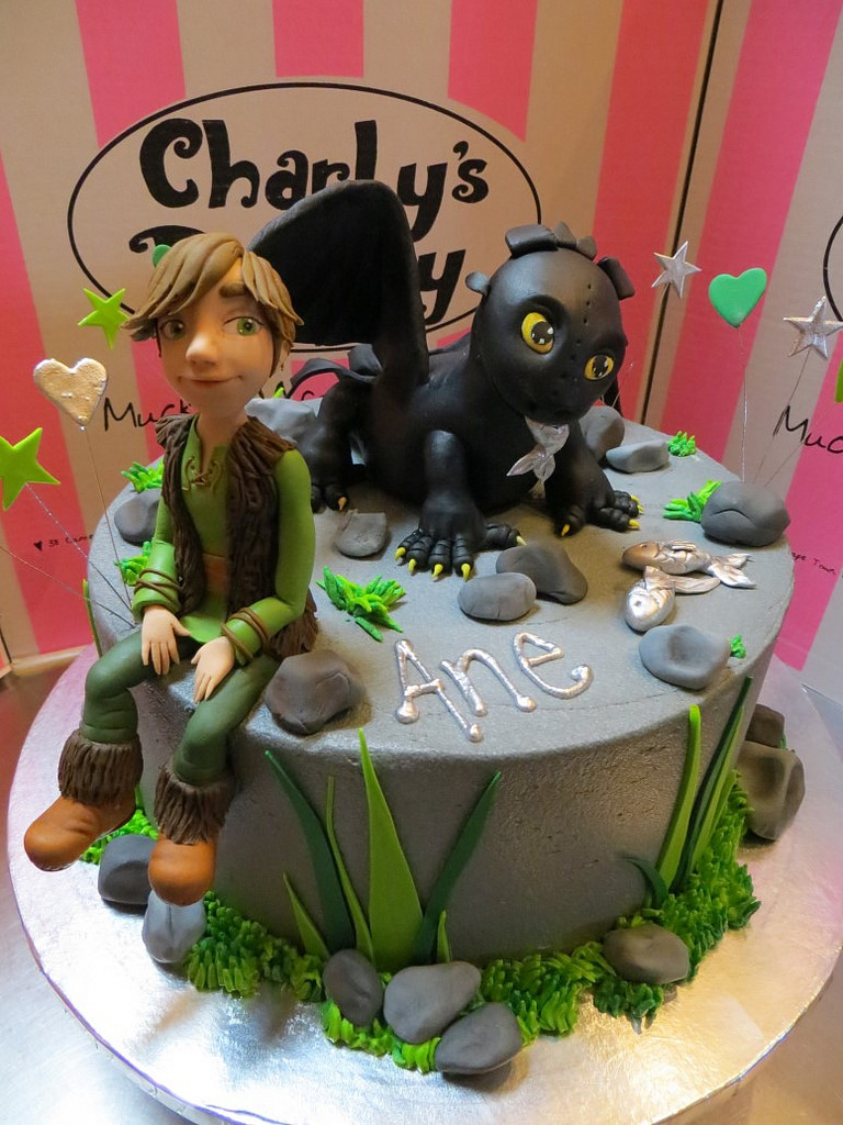 How To Train Your Dragon Birthday Cake How To Train Your Pet Dragon Themed Birthday Cake Flickr