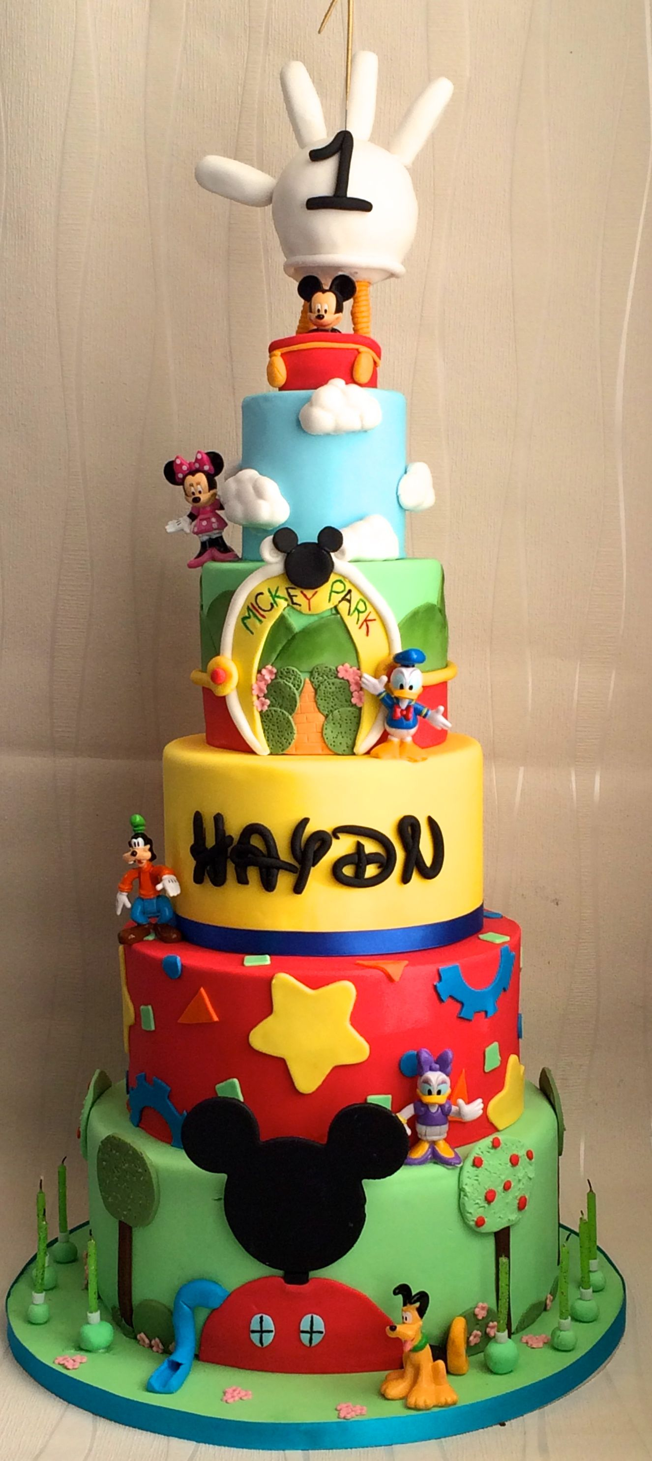 Mickey Mouse Clubhouse Birthday Cake 1st Birthday Mickey Mouse Clubhouse Cake Mickey And Minnie Cakes