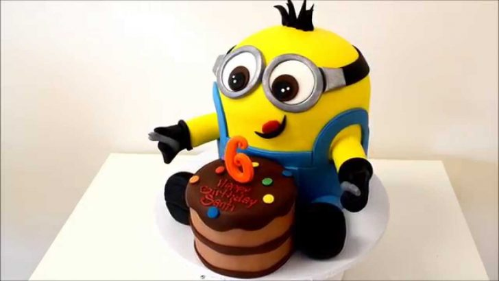 Minion Birthday Cake New Minion Birthday Cake With Small Cake In Front Youtube