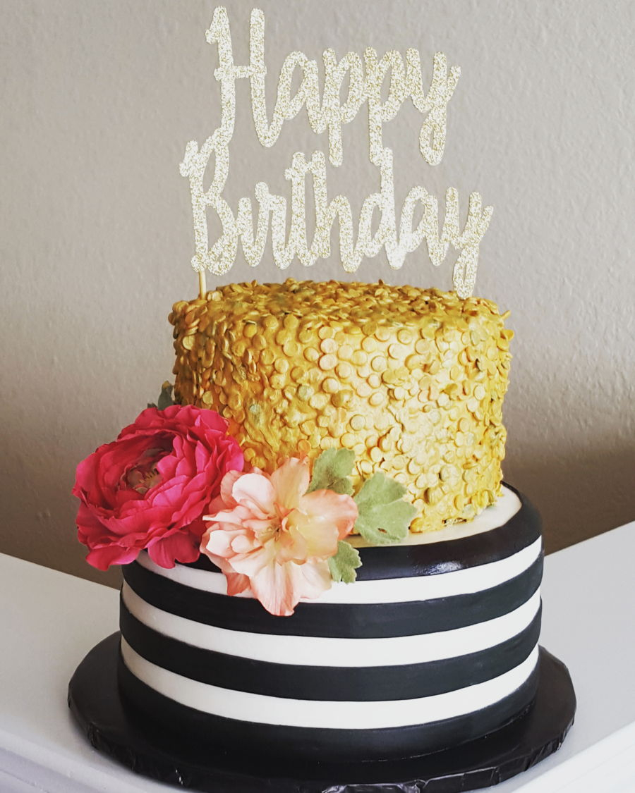 White And Gold Birthday Cake Glam Birthday Cakecentral