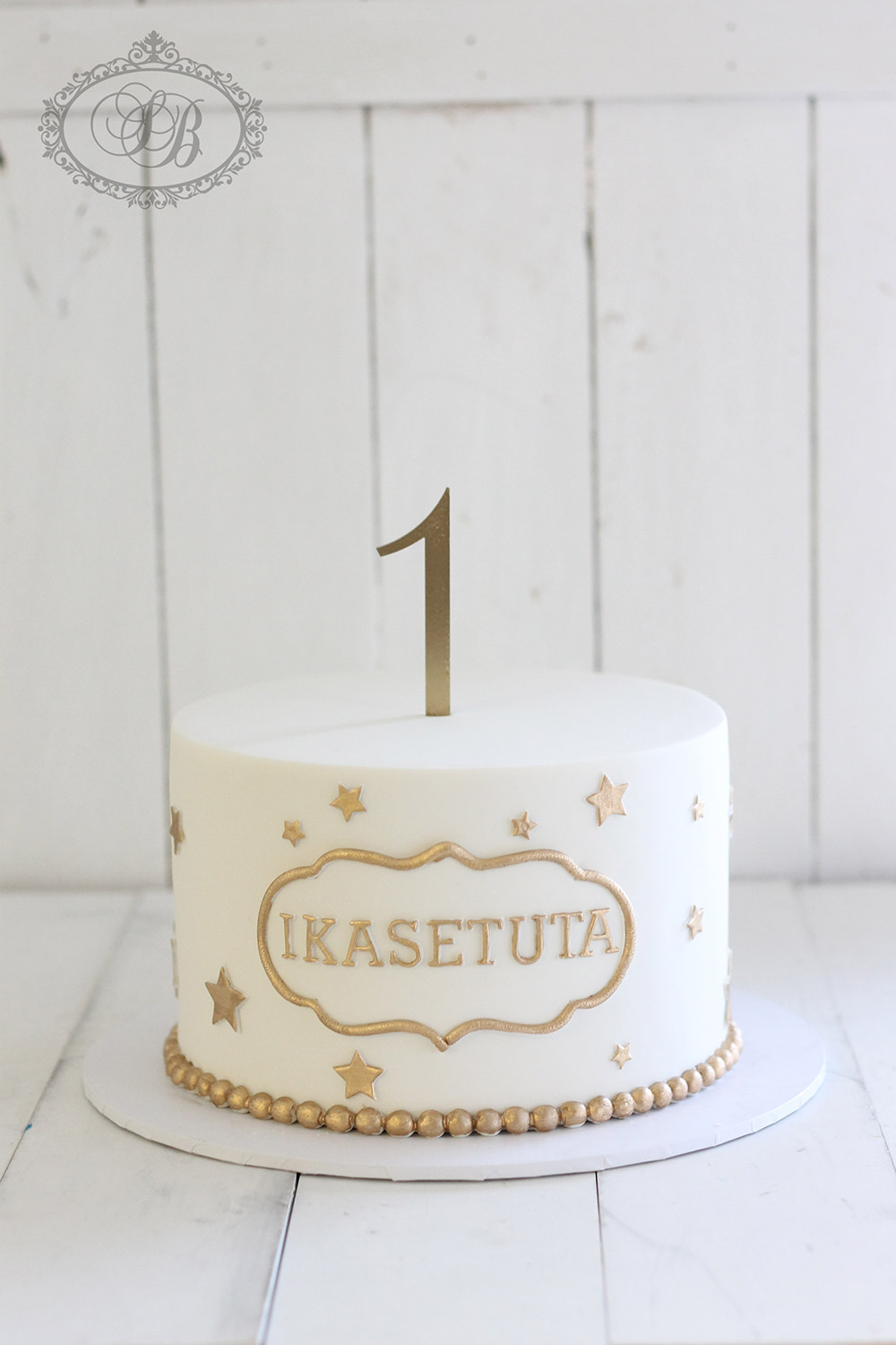 White And Gold Birthday Cake Simple Gold And White 1st Birthday Cake Sweet Bites Cakes